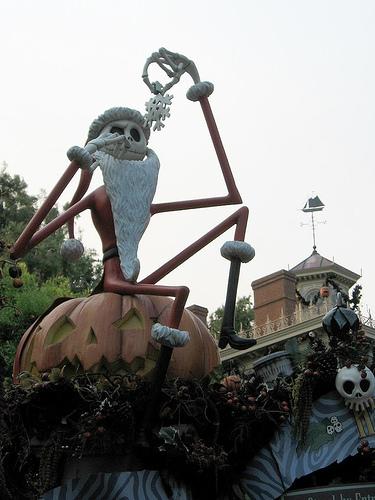 Halloween_Christmas.jpg